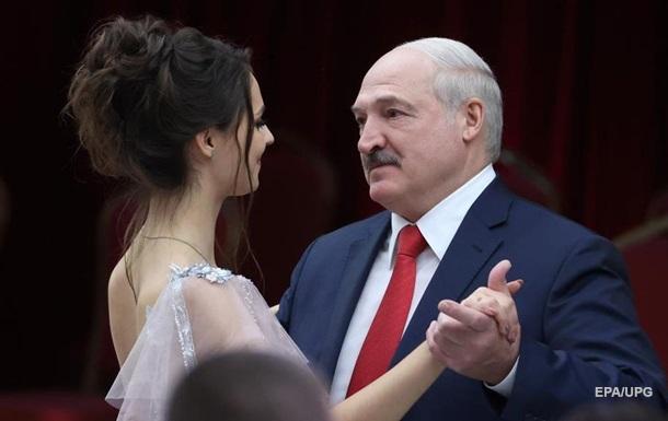 Больше трети украинцев доверяют 'непризнанному' Лукашенко - опрос