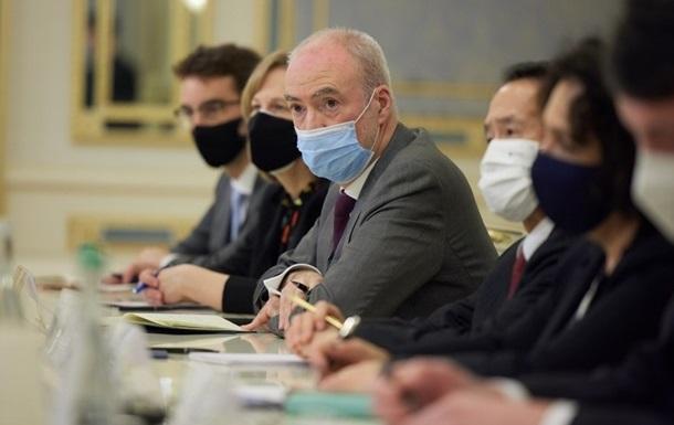 Посли G7 обговорили з Разумковим судову реформу