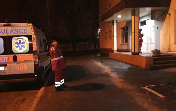 В Харькове мать бросила посреди улицы малолетнюю дочь