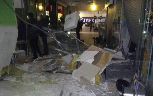 Взрыв в ТЦ в Черновцах: названа причина