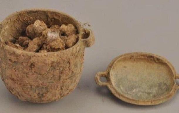 В Китае найден крем для лица, которому 2700 лет