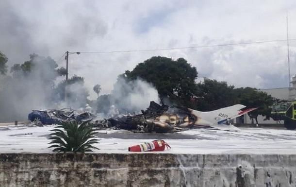 У Парагваї під час катастрофи літака ВПС загинули семеро людей