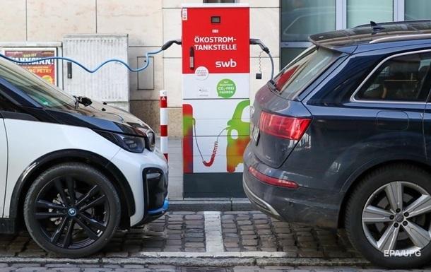 Світові продажі електромобілів за рік підскочили на 40%