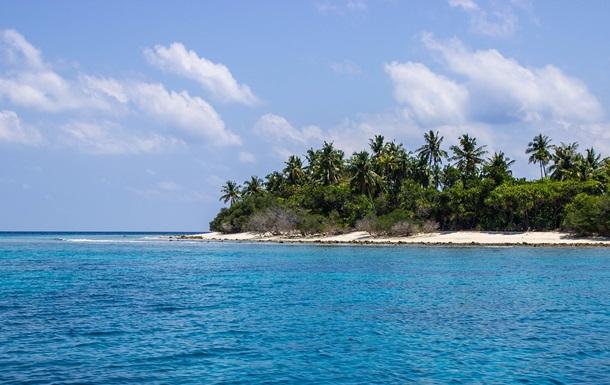 Троих кубинцев спасли после месяца на необитаемом острове