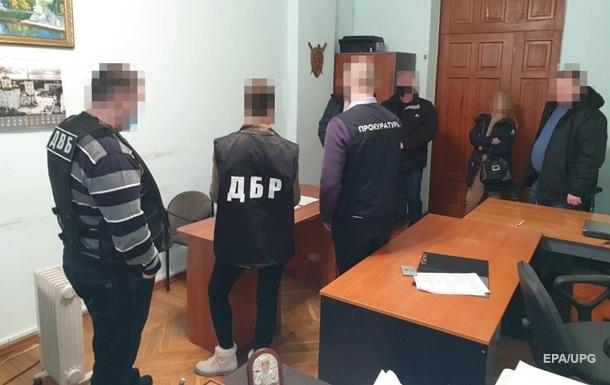 Поліцейським на Харківщині, які побили трактористів, оголосили підозри