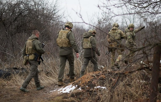 Зеленский посетил передовую на Донбассе