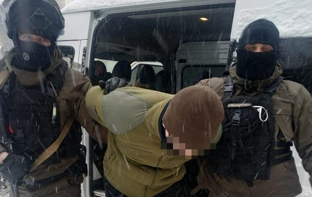 Задержаны двое подозреваемых в осквернении памятника Бандере во Львове