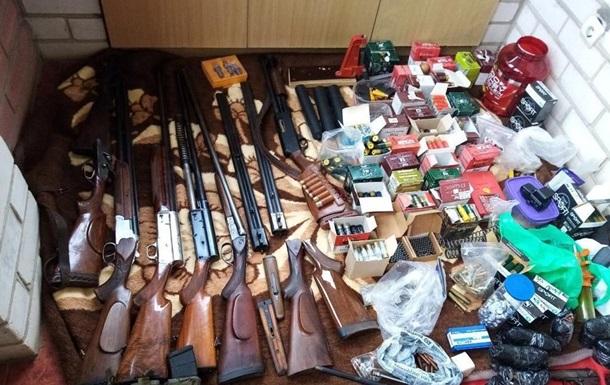 У Херсоні знайшли арсенал зброї в приватному будинку