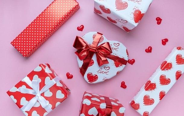 Больше половины украинцев намерены дарить подарки на Валентина – опрос