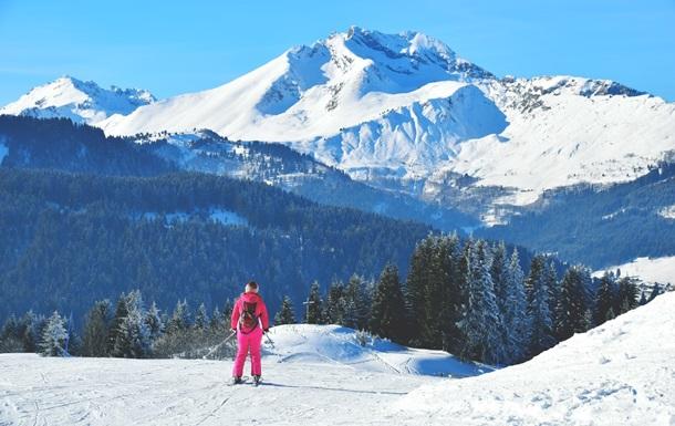 Во Франции при падении со скалы погибла лыжница
