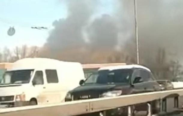 В Киеве масштабный пожар в парке Дружбы народов