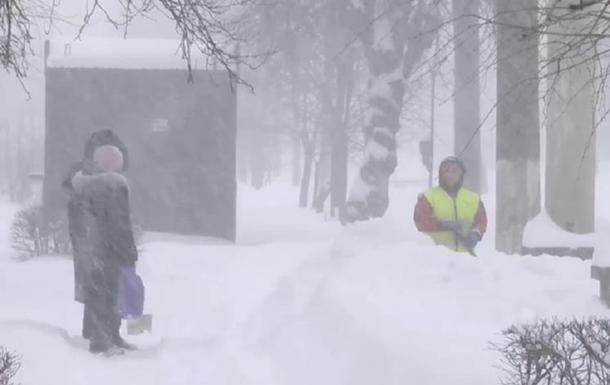 На Прикарпатті 50 сіл відрізані снігом від світу