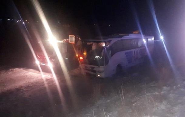 В Турции более 40 человек пострадали в ДТП с автобусом