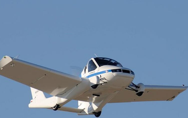 У США презентували авто, що перетворюється на літак