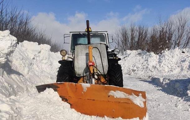 На Черниговщине трактор столкнулся со скорой