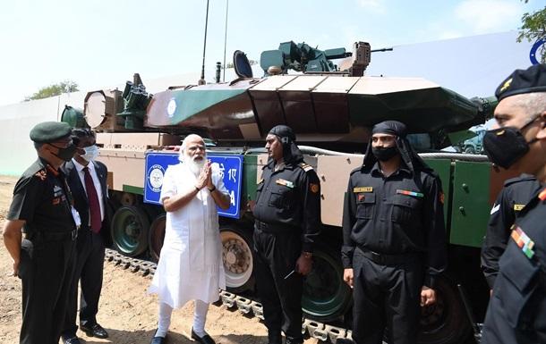 В Индии приняли на вооружение новый танк