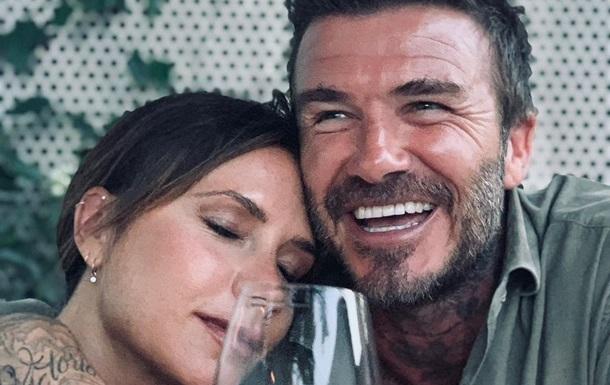Вікторія Бекхем показала веселе відео зі  співаючим  чоловіком