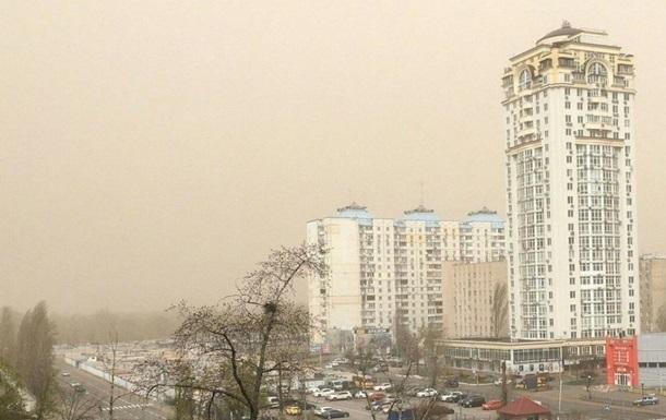 Киев третий день подряд в десятке городов мира с самым грязным воздухом