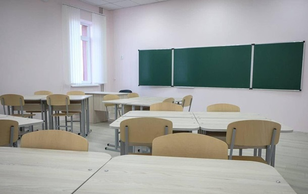 В Черновцах все школы переведены на дистанционную форму обучения