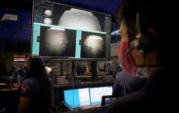 Марсохід Perseverance відправив на Землю перші фото