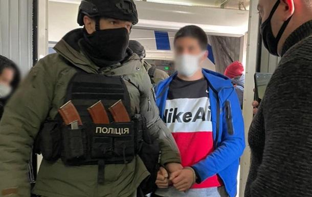 Турция выдала украинца, подозреваемого в убийстве в киевском Гидропарке