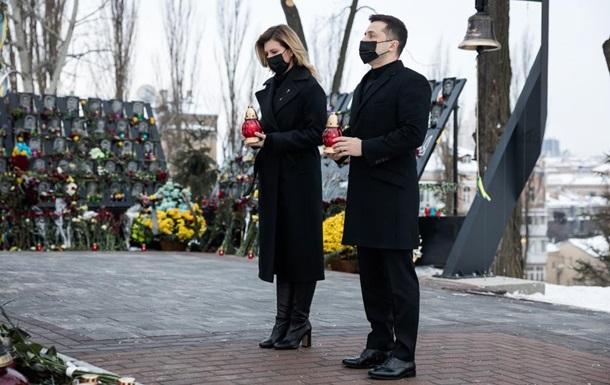 Зеленський з дружиною вшанували пам ять Небесної сотні