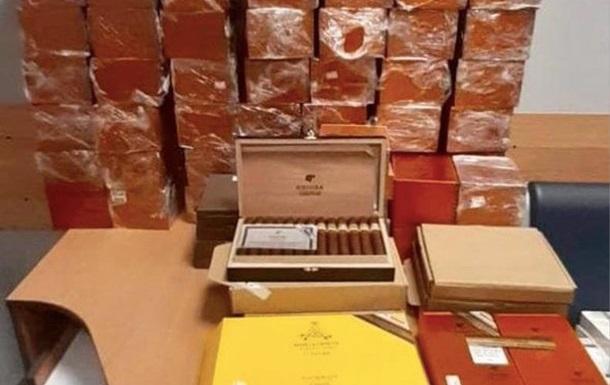В Украину пытались ввезти контрабанду кубинских сигар