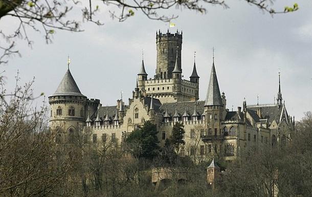 Німецький принц судиться з сином через продаж замку за 1 євро