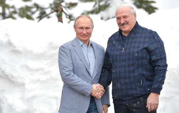 Лукашенко зустрівся з Путіним у Сочі