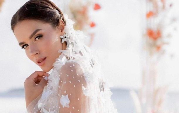 Українська модель і телеведуча показала своє весілля на Мальдівах