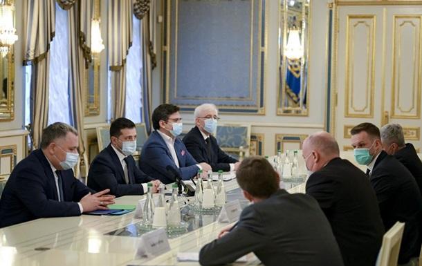 Зеленський попросив у глави МЗС Литви допомоги в постачанні COVID-вакцини