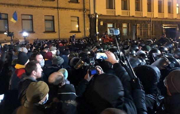 В МВД события под ОП назвали 'вакханалией насилия'