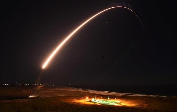 У США випробували міжконтинентальну ракету