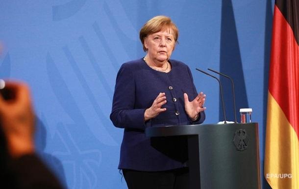 Меркель назвала терміни введення сертифікатів COVID-вакцинації