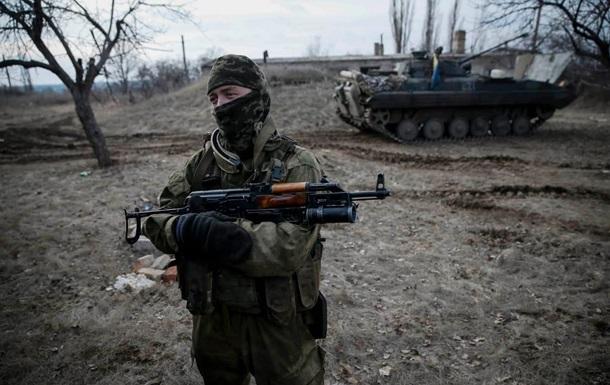 Доба на Донбасі: 14 обстрілів, поранено 11 бійців