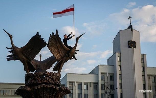 Оппозиция Беларуси направила в СБУ санкционный список