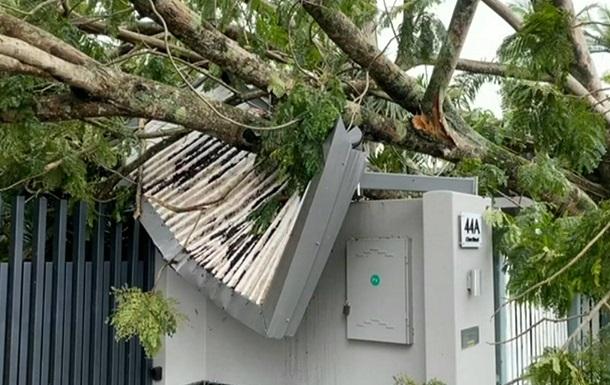 В Австралии непогода обесточила 40 тысяч домов