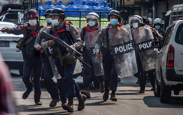 США заставят заплатить. Расстрел протеста в Мьянме