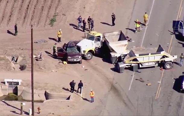 У США уточнили кількість загиблих в дорожній аварії на кордоні з Мексикою