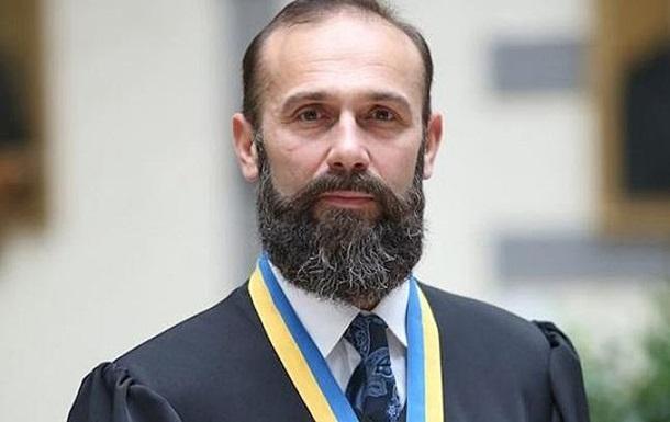 Вища рада правосуддя звільнила суддю Ємельянова