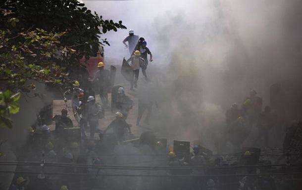 У М янмі силовики знову відкрили вогонь по демонстрантах: є загиблі