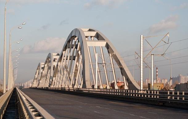 Названі терміни добудови Дарницького моста в Києві