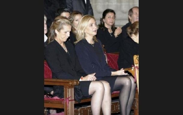 'Дискредитация монархии': в Испании скандал из-за вакцинации сестер короля