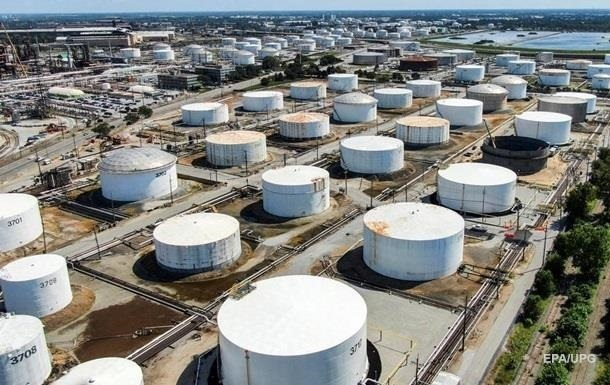 У США рекордне тижневе зростання запасів нафти