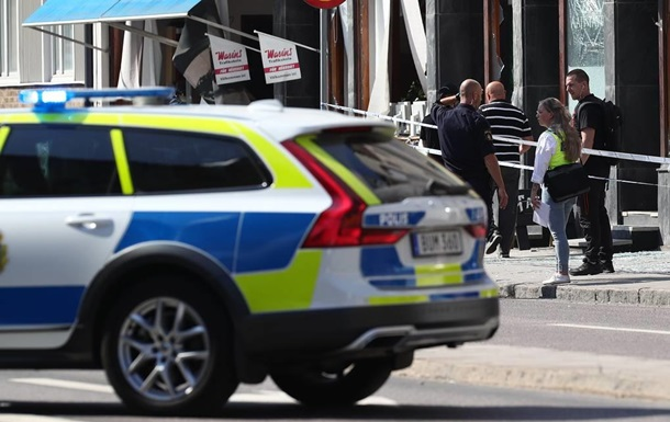 У Швеції невідомий поранив ножем вісім осіб