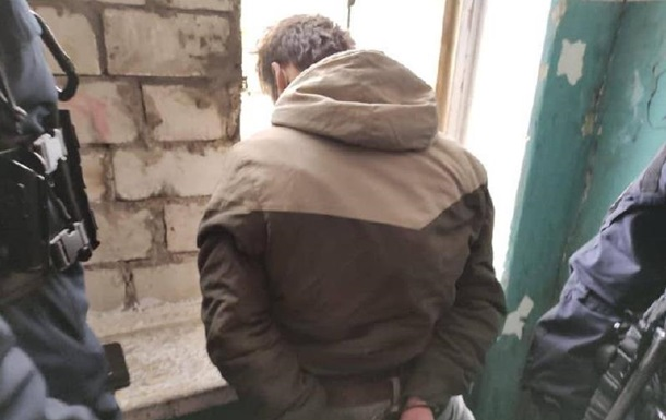 В Северодонецке мужчина с ножом напал на полицейского