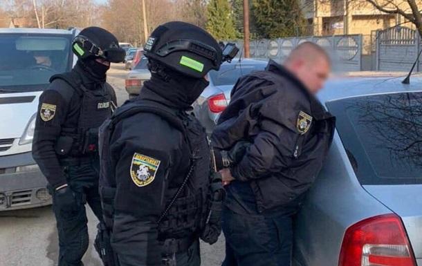 В Каменском полицейский собирал  дань  с бизнесменов
