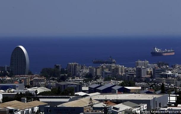 Кіпр скасовує обмеження для британців, які зробили щеплення