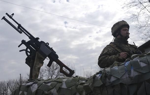 На Донбасі сім обстрілів, є поранений