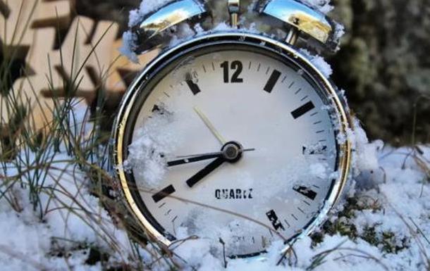 Надо ли в Украине отменять перевод на летнее время